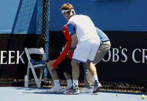 daniel-gimeno-traver-catches-a-ball-boy-who-passed-out-from-heat-stroke